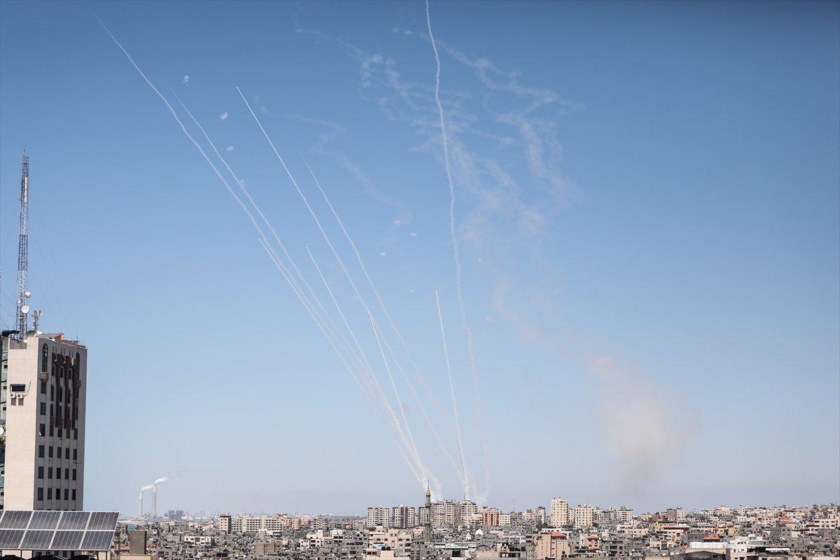 İsrail, Gazze de medya binasını vurdu #7