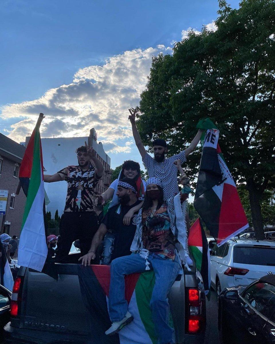 Bella Hadid, Filistin için sokağa indi  #1