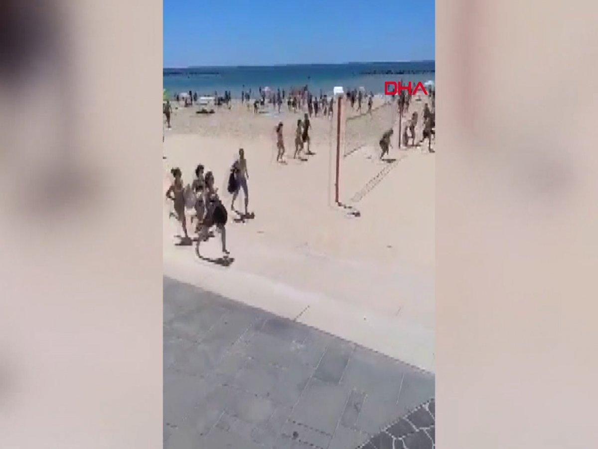 Plajdaki İsraillilerin sığınaklara koştuğu anlar kamerada #1