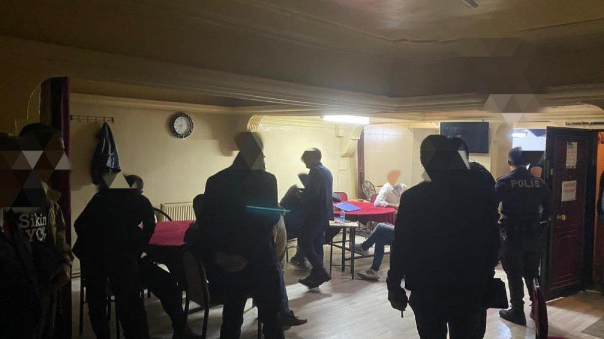 Sivas ta kaçak iskambil oynayan 20 kişiye baskın #1