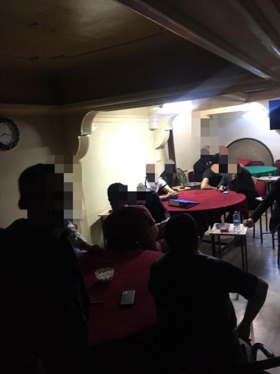 Sivas ta kaçak iskambil oynayan 20 kişiye baskın #3