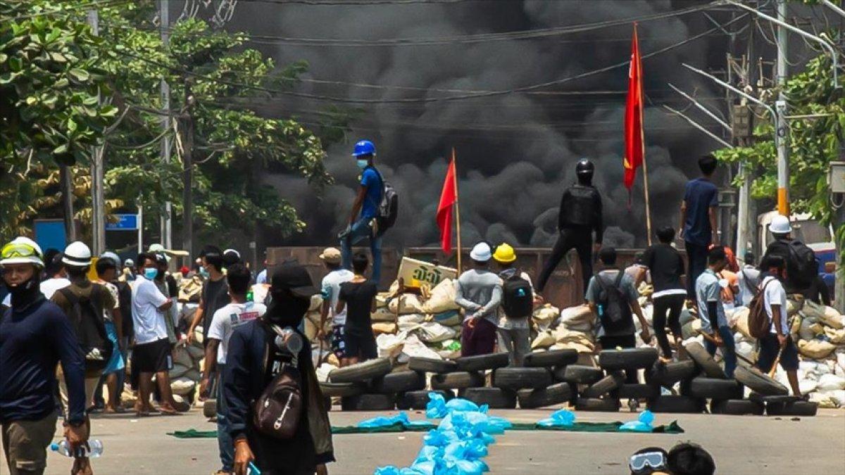 Myanmar da öldürülen darbe karşıtı göstericilerin sayısı 796 ya yükseldi #6