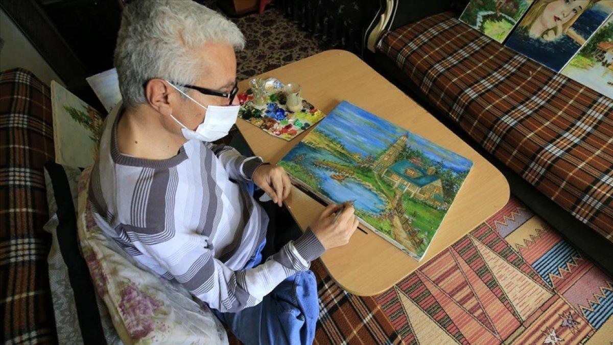 Suriyeli engelli hat ustası ve ressam tablolarını satarak ailesini geçindiriyor #1