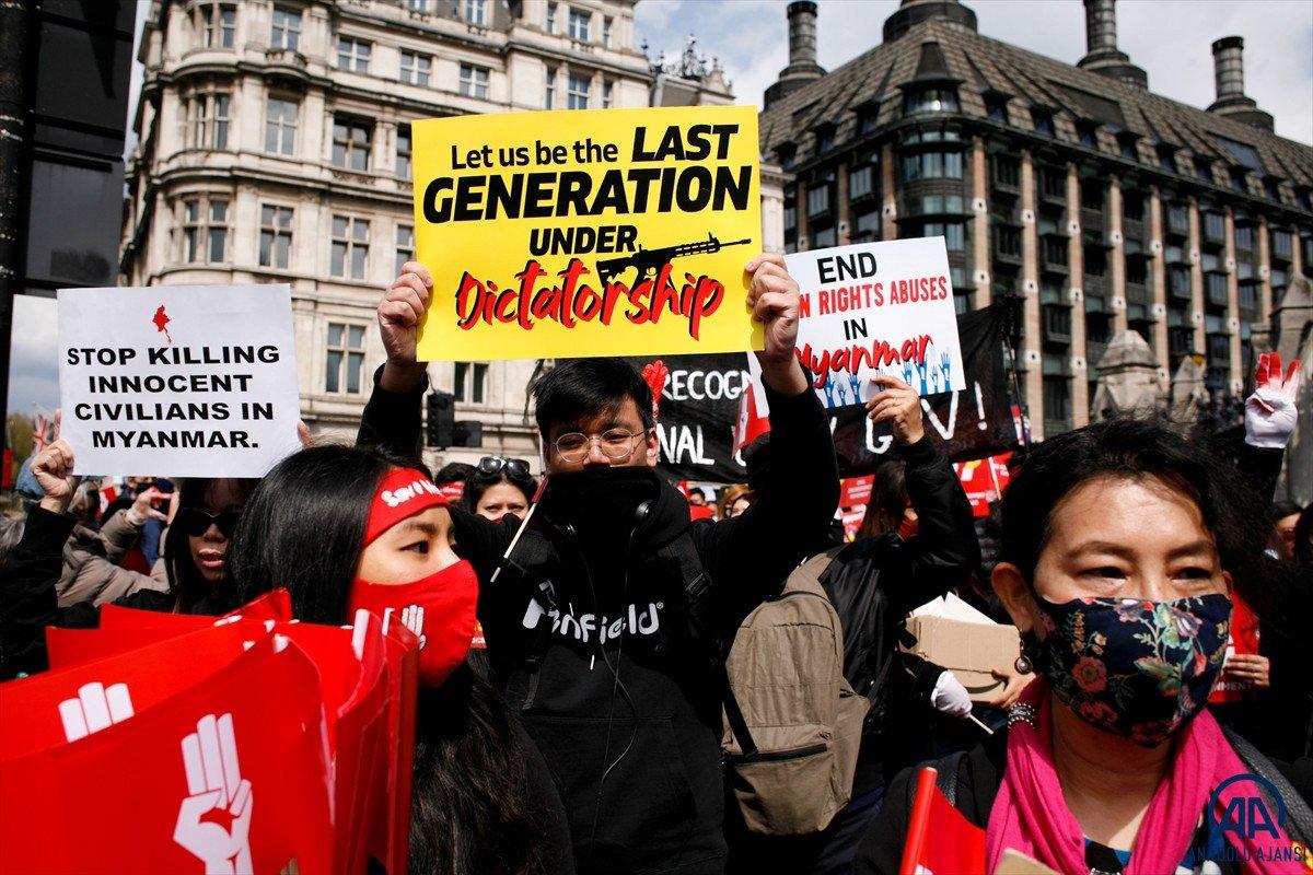 Myanmar da öldürülen darbe karşıtı göstericilerin sayısı 796 ya yükseldi #2