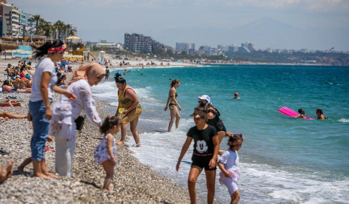 Antalya ve Muğla sahilleri, kademeli normalleşme ile hareketlendi #1