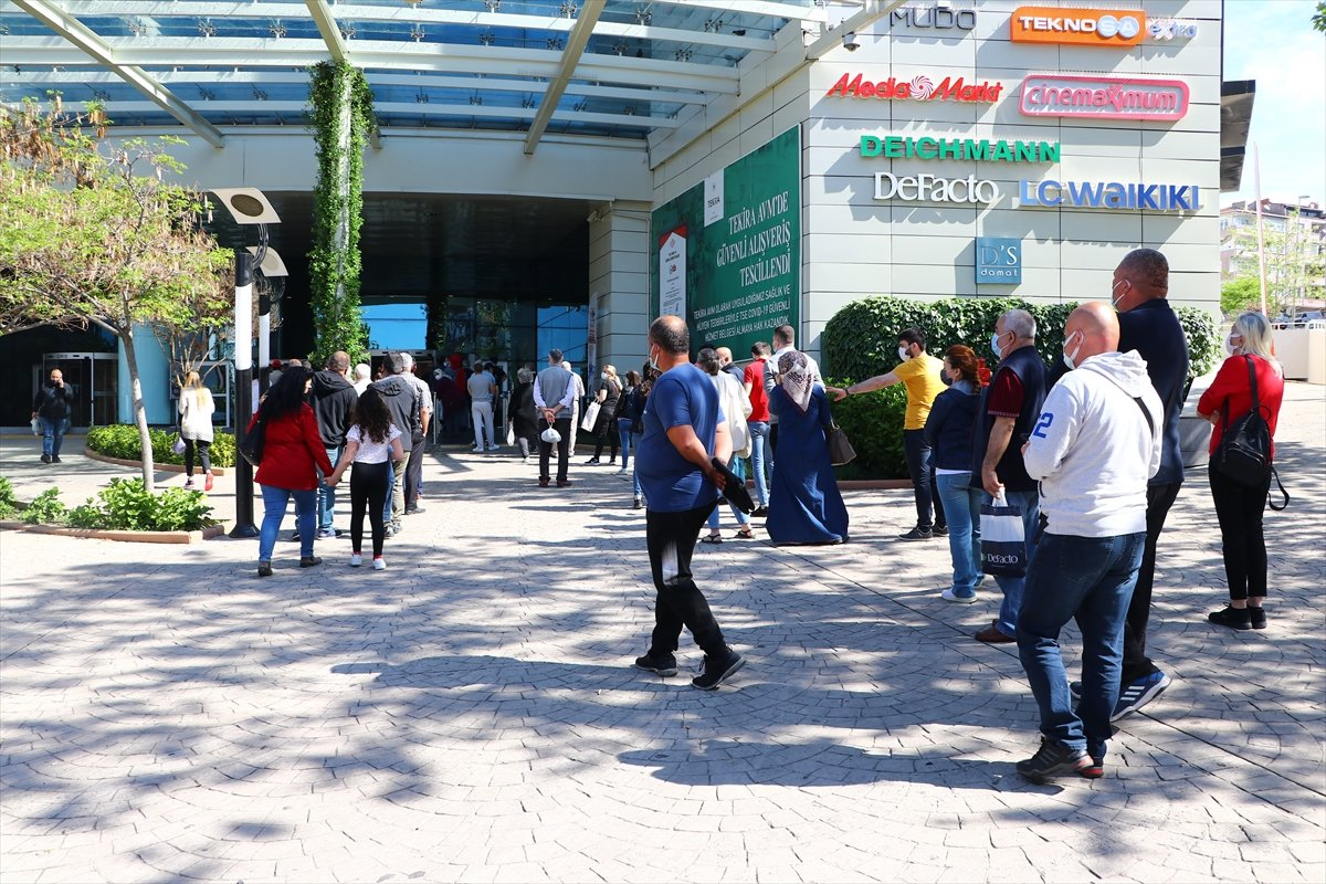 AVM ler, 17 günlük aranın ardından kapılarını açtı #2