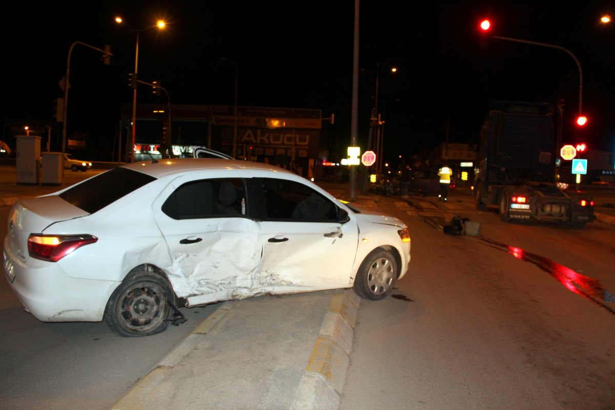 Sakarya da sürücü kaza yaptıktan sonra kayıplara karıştı #2