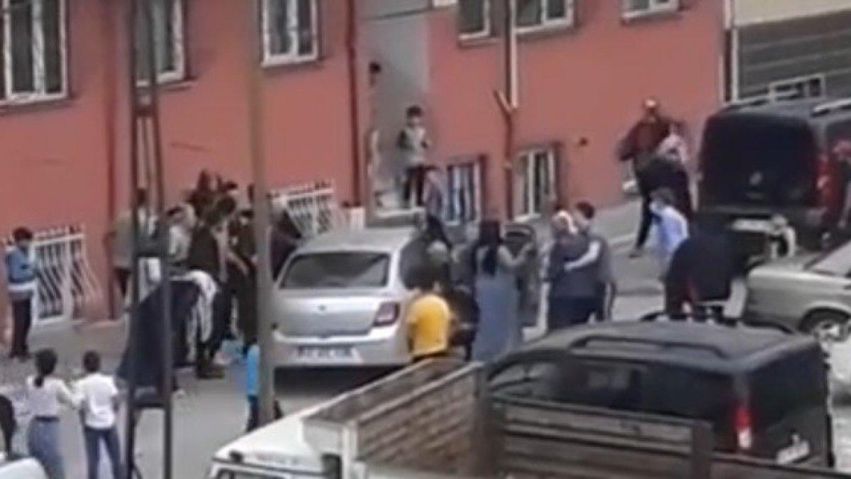 Esenyurt'ta, oyun oynayan 7 yaşındaki çocuğa araba çarptı  #1