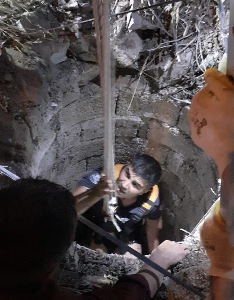 Elazığ'da su kuyusuna düşen koyun kurtarıldı #5