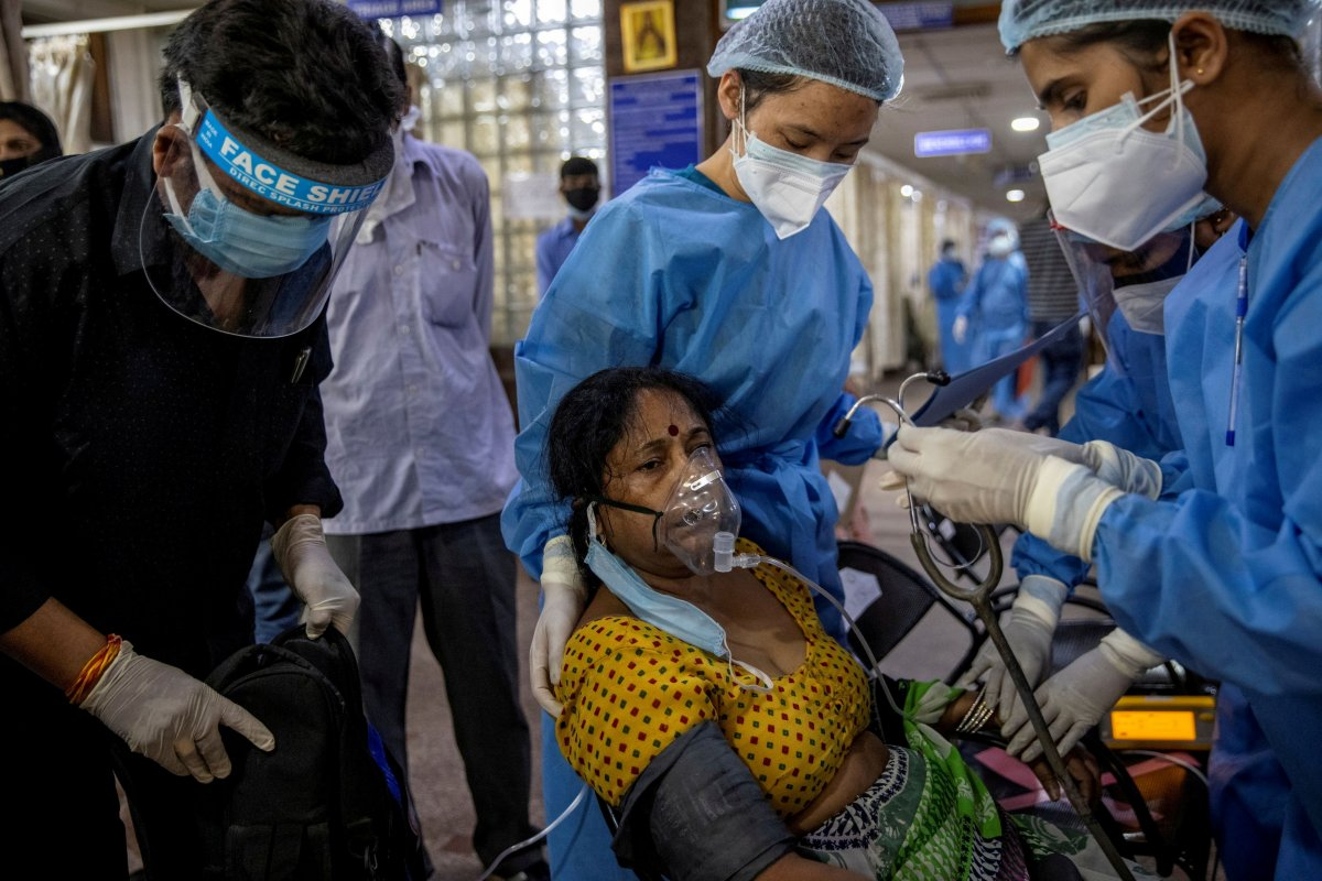 Hindistan da 4 bin 329 can kaybıyla en yüksek korona ölümü yaşandı #1