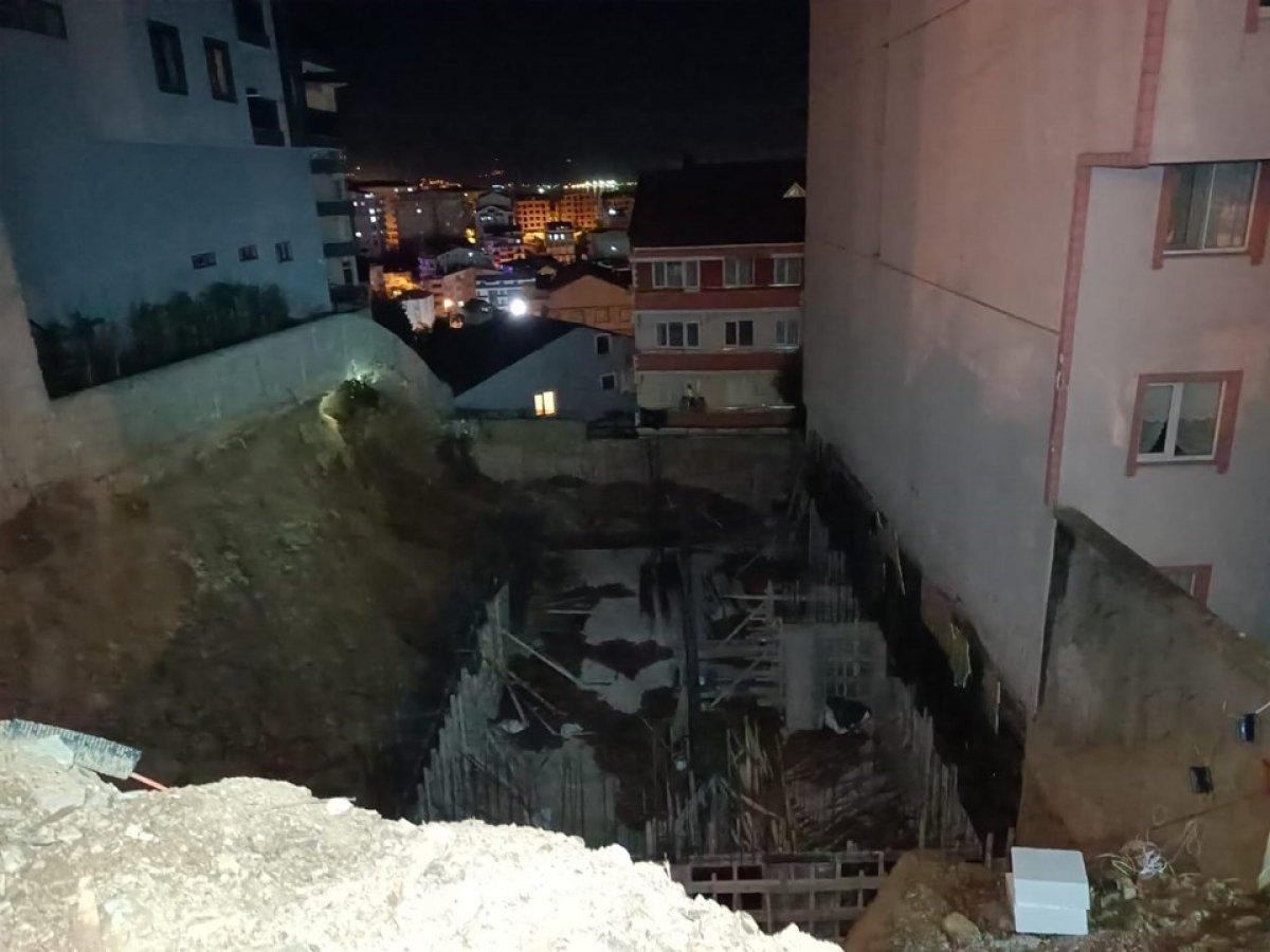 Kocaeli'de inşaat alanında toprak kaydı, 5 katlı bina boşaltıldı #4