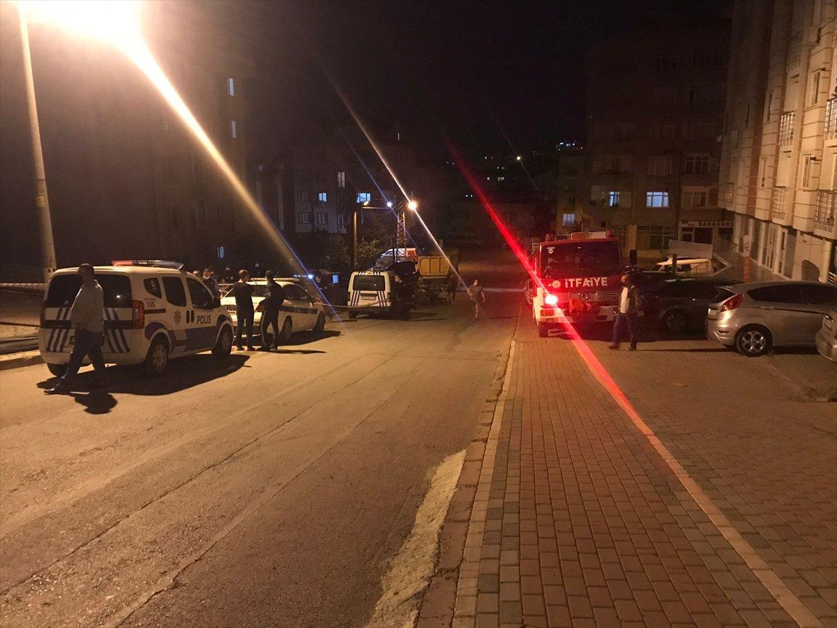 Kocaeli'de inşaat alanında toprak kaydı, 5 katlı bina boşaltıldı #2