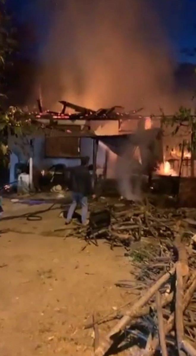 Trabzon da yanan ev küle döndü #1