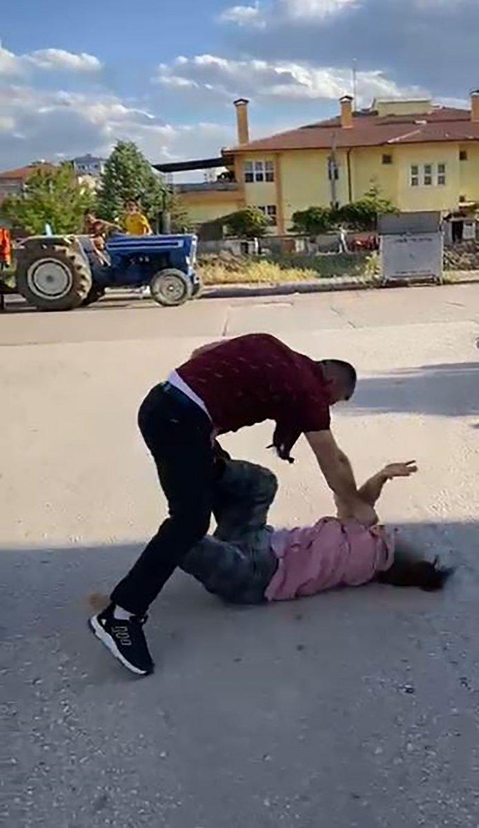 Çankırı da boşanma kavgasında yumruklar havada uçtu #2