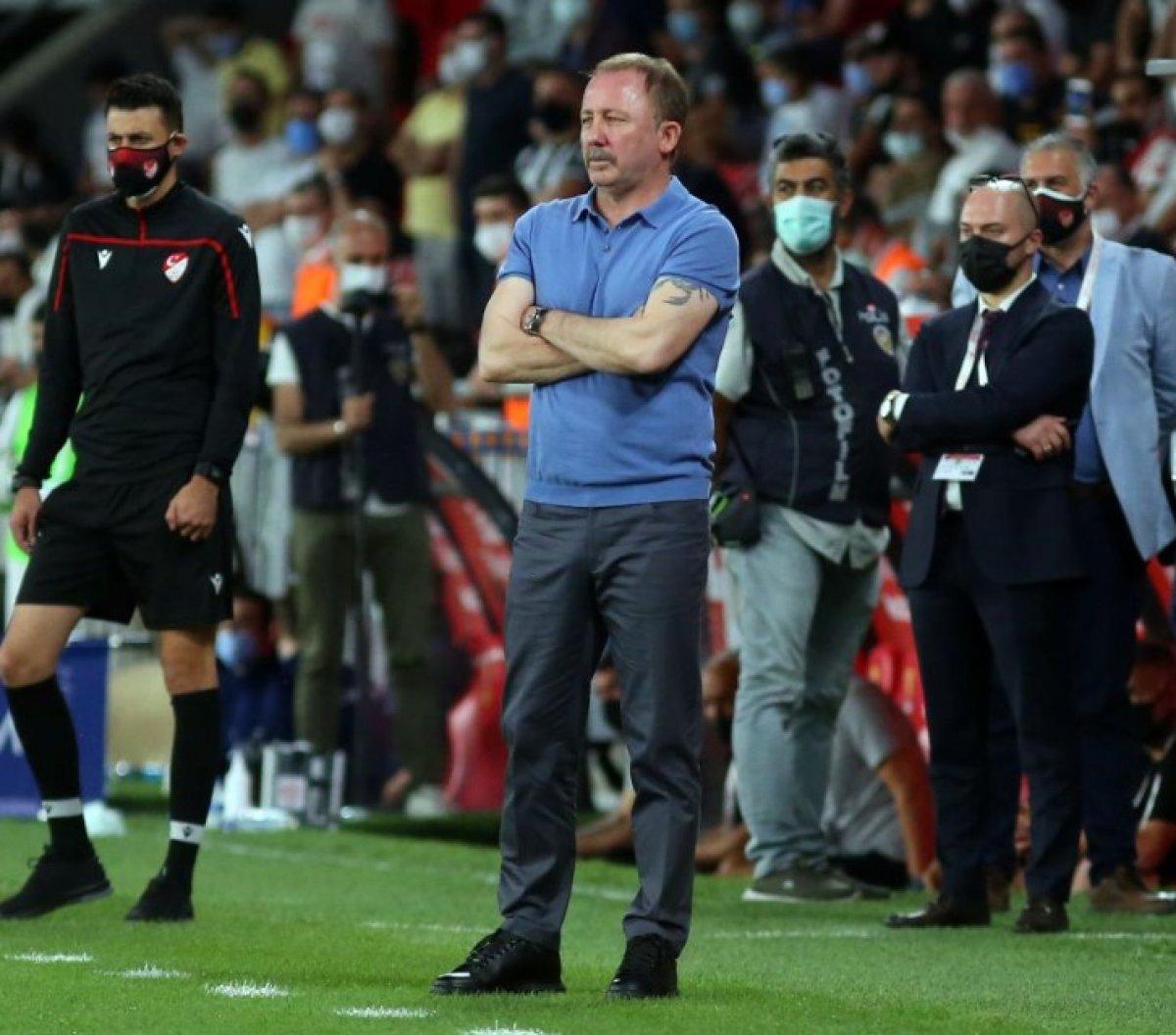 Sergen Yalçın: Hayatımda bir süre futbol olmayacak #11