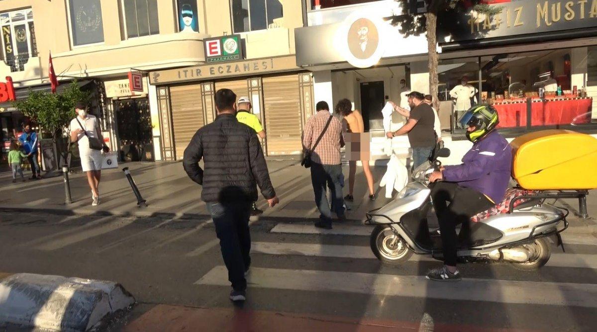 Taksim deki Faslı turist çırılçıplak soyundu #3