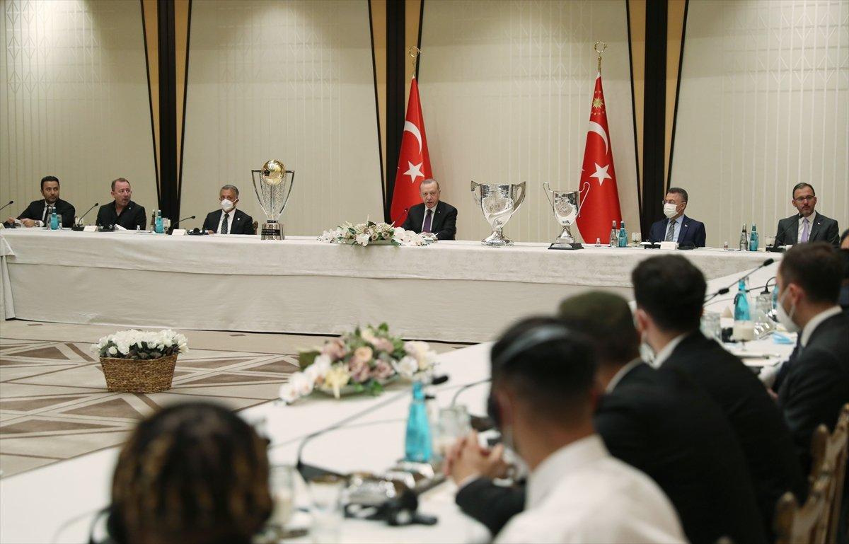 Cumhurbaşkanı Erdoğan, şampiyon Beşiktaş ı kabul etti #5