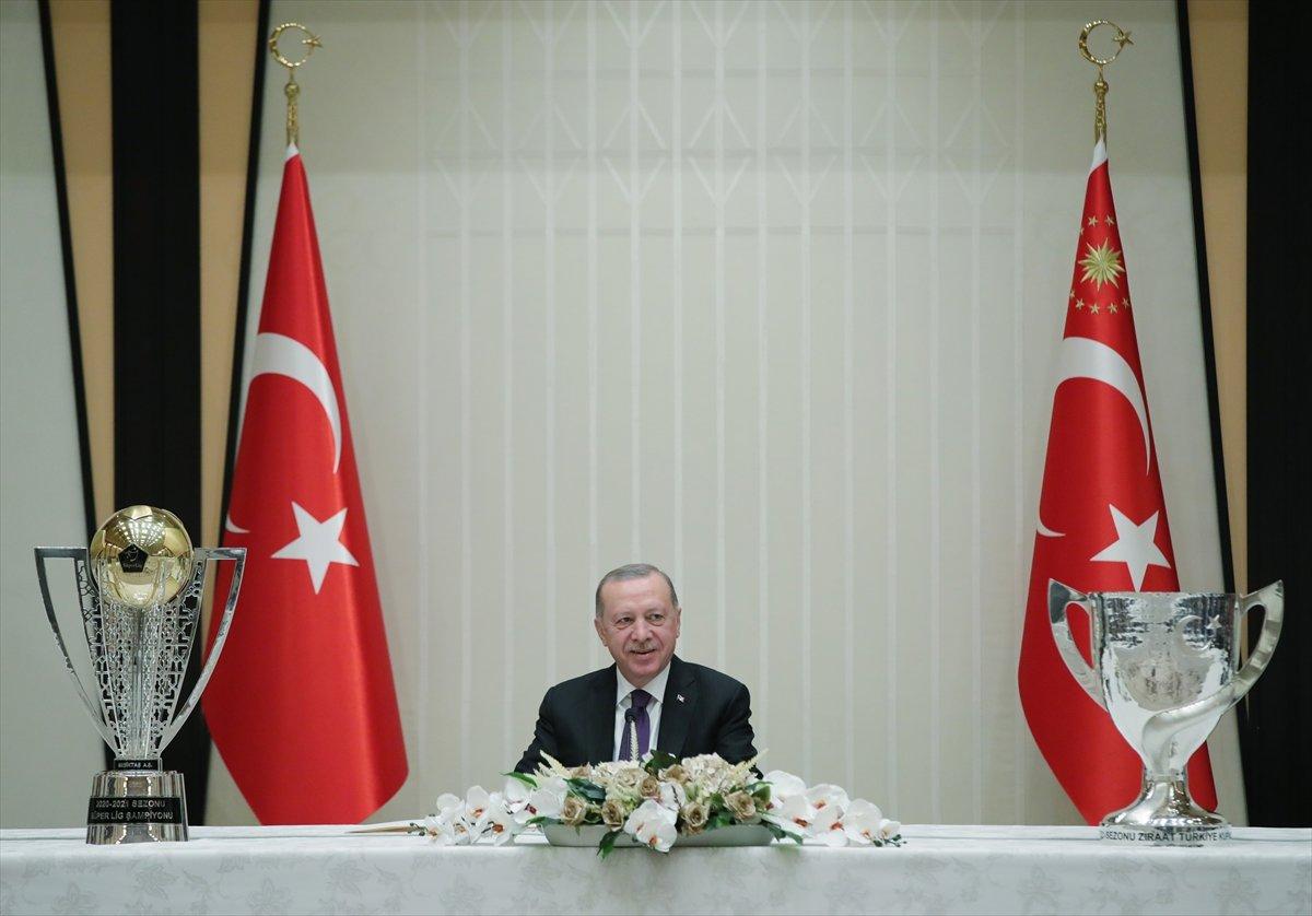 Cumhurbaşkanı Erdoğan, şampiyon Beşiktaş ı kabul etti #8