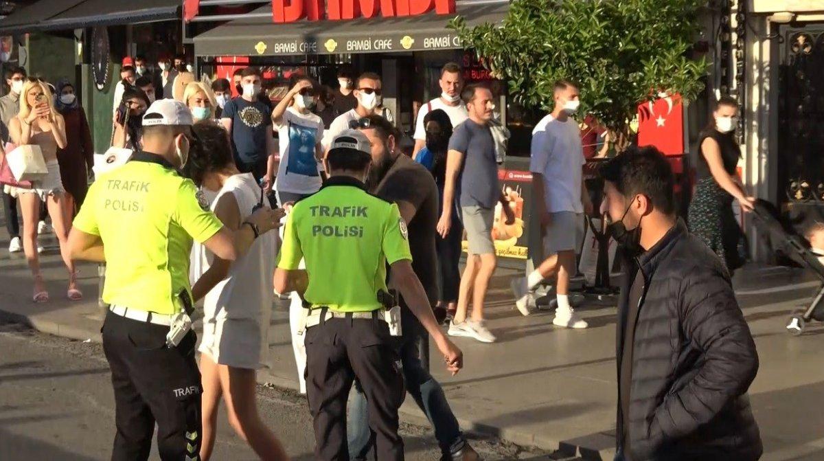 Taksim deki Faslı turist çırılçıplak soyundu #4