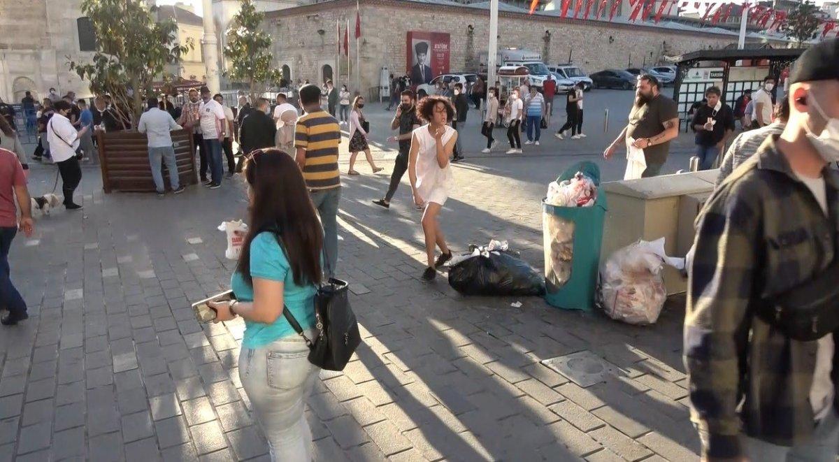 Taksim deki Faslı turist çırılçıplak soyundu #5