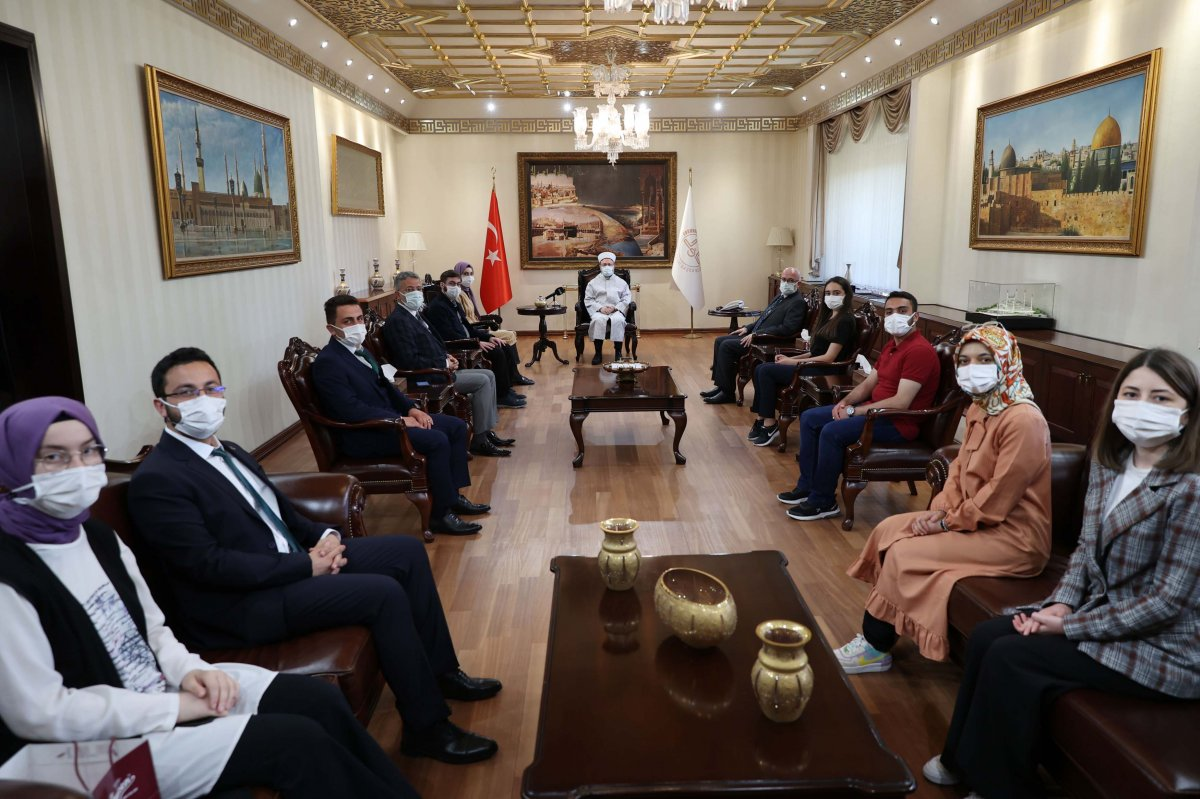 Diyanet İşleri Başkanı Erbaş: Gençler, Filistin davasını aklınızdan çıkarmayın #1