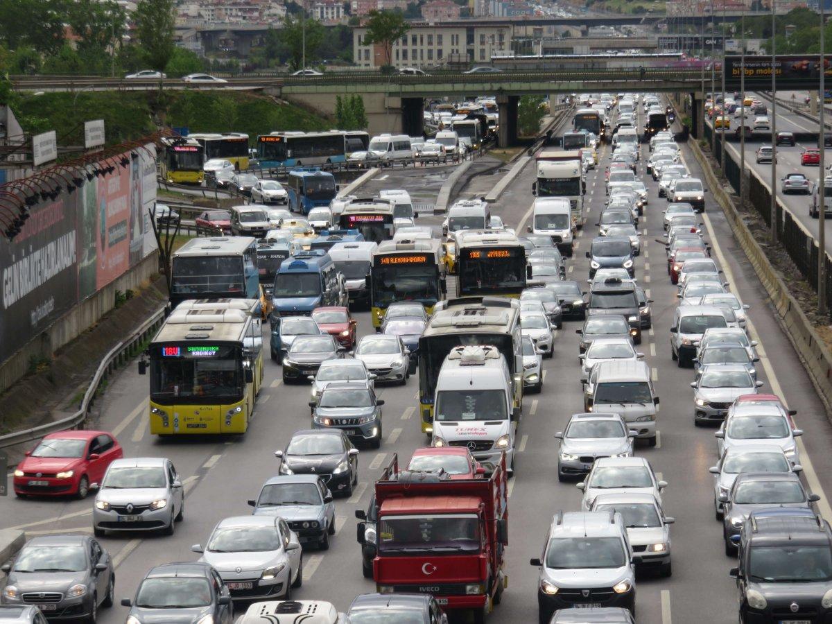 Hafta sonu kısıtlaması öncesi trafik yoğunluğu #2
