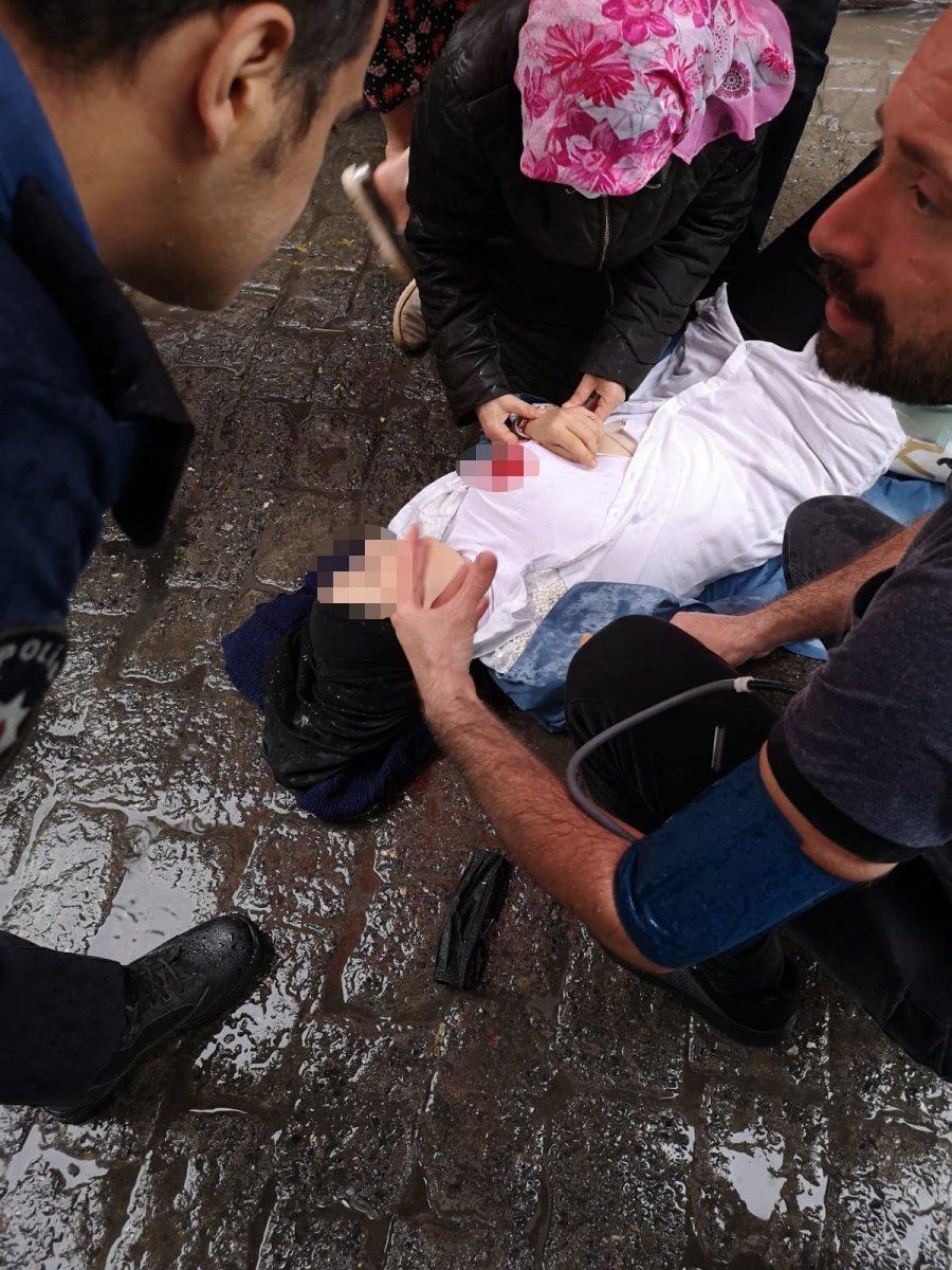 Beyoğlu nda eski eşinin saldırısına uğradı: Ağır yaralandı #2