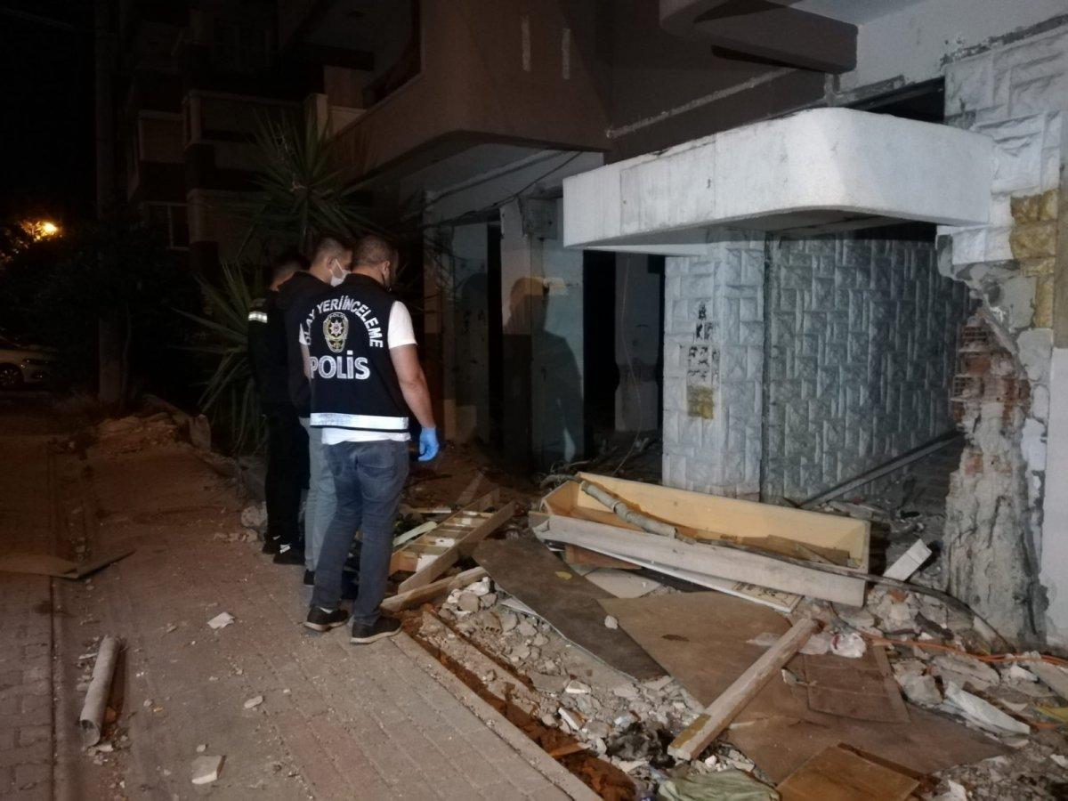 İzmir de kablo çalmak isteyen şahıs elektrik çarpması sonucu hayatını kaybetti #11