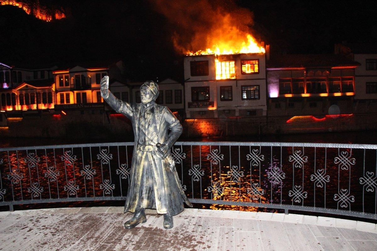 Amasya da otel olarak kullanılan tarihi konakta yangın çıktı #5