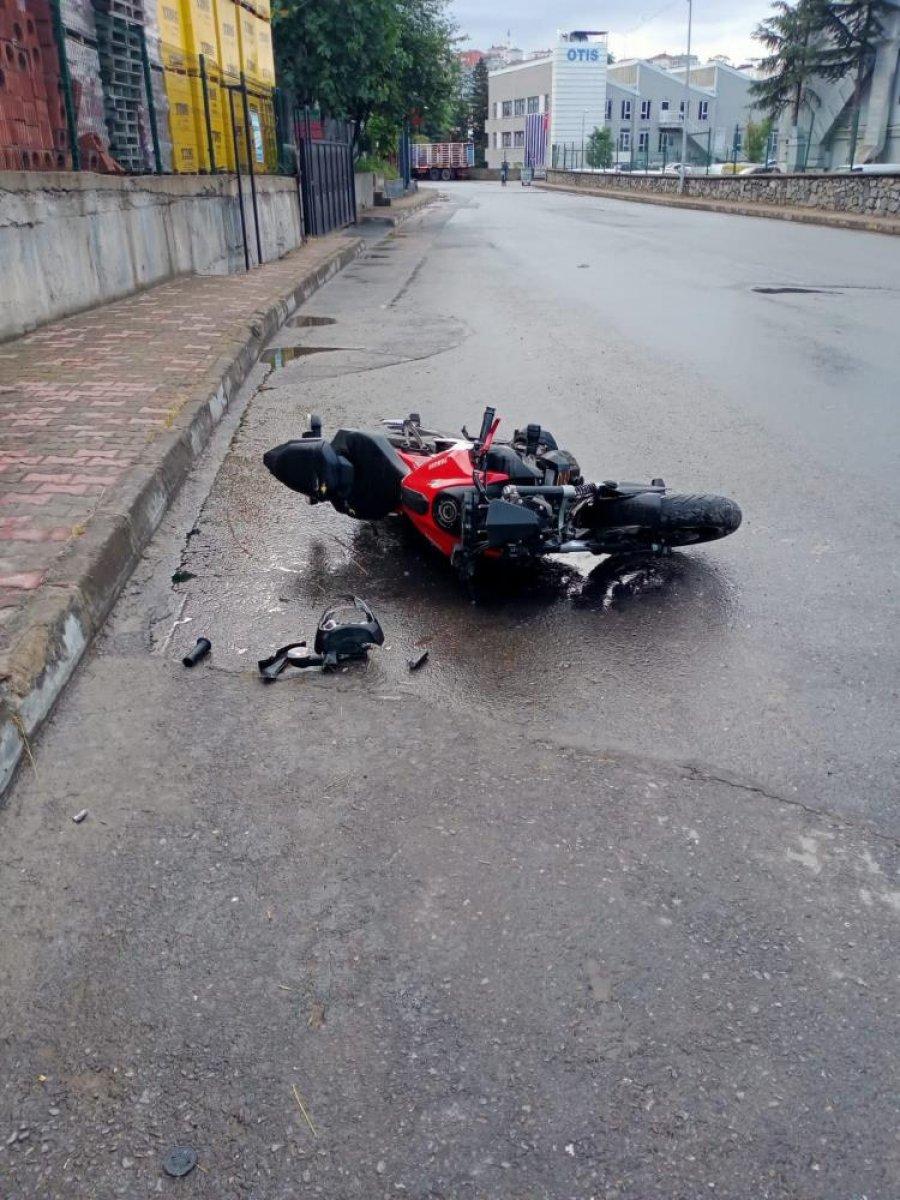 İstanbul da motosiklet tutkunu genç hayatını kaybetti  #3
