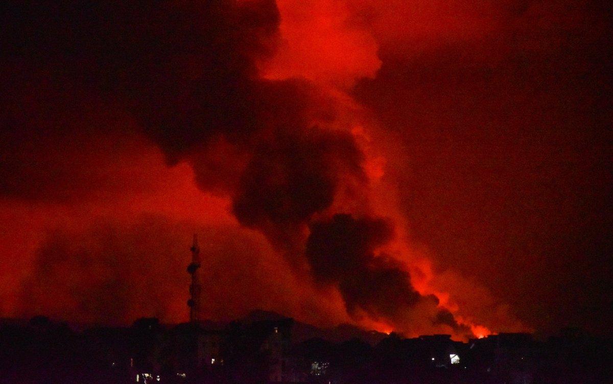 Kongo'da Afrika nın en aktif yanardağı Nyiragongo patladı #2