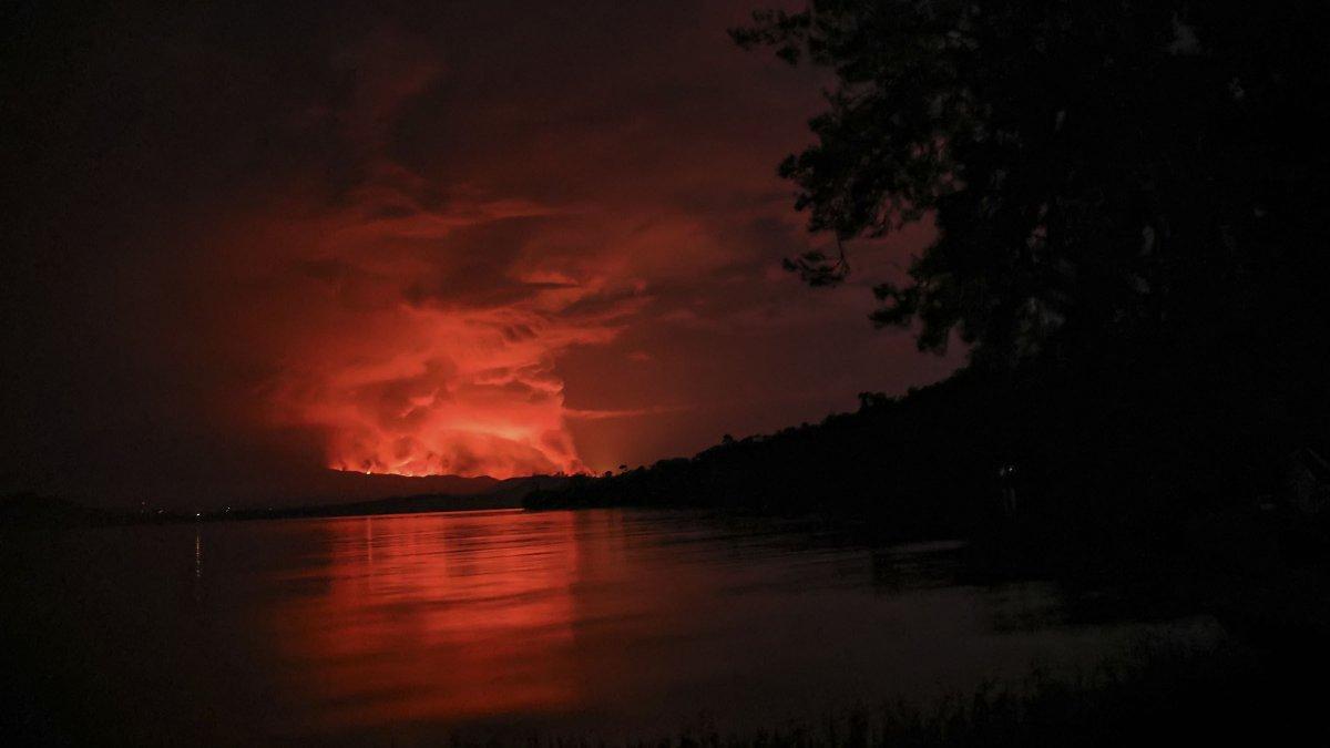 Kongo'da Afrika nın en aktif yanardağı Nyiragongo patladı #4