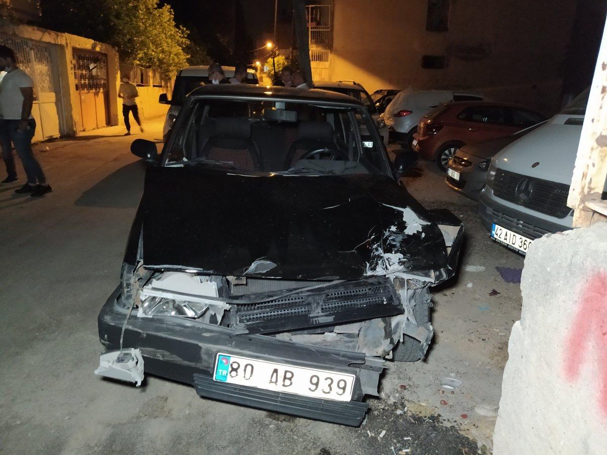 Adana da drift yapan araç bekçiye çarptı #1