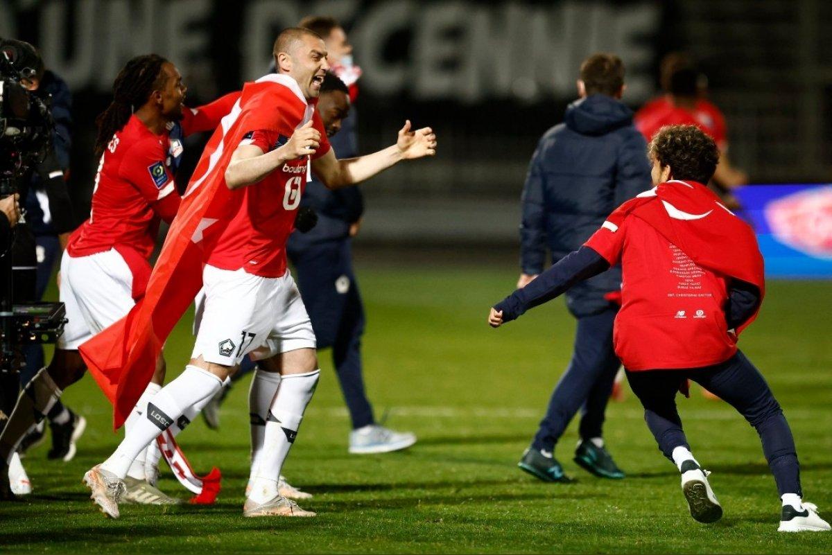 Lille, Fransa Ligue 1'de şampiyon oldu #3