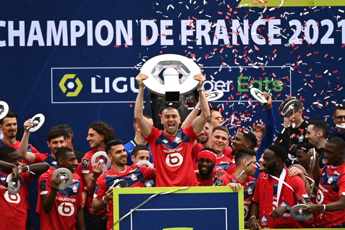 Lille şampiyonluk kupasını aldı #2