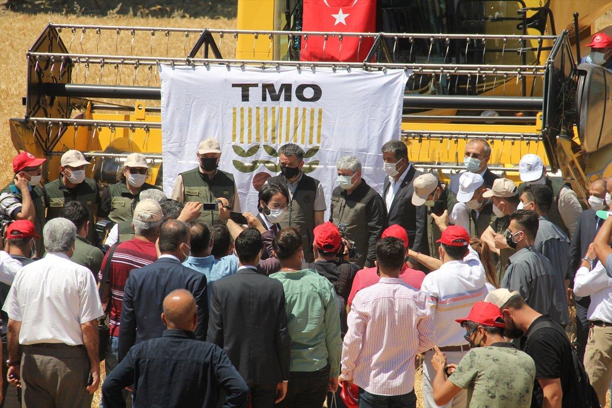 Bekir Pakdemirli: Tarım işçilerinin aşılaması kademeli olarak başlayacak #2