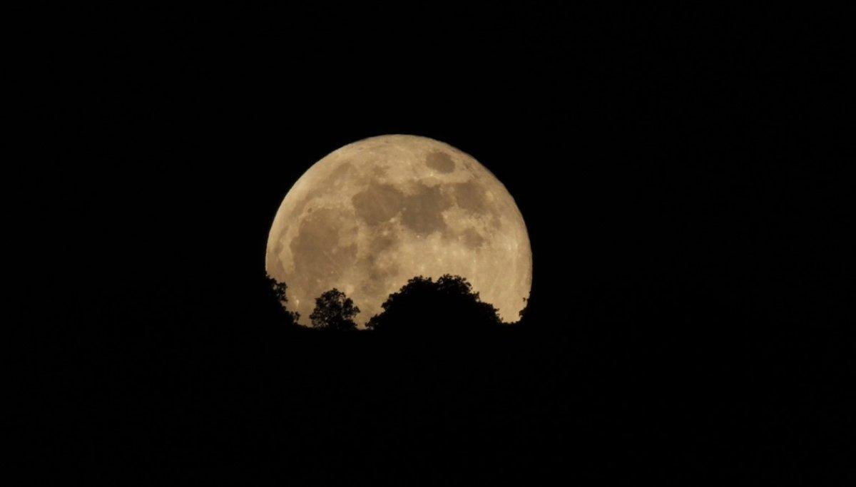 Süper Çiçek Kanlı Ay tutulması başladı #8
