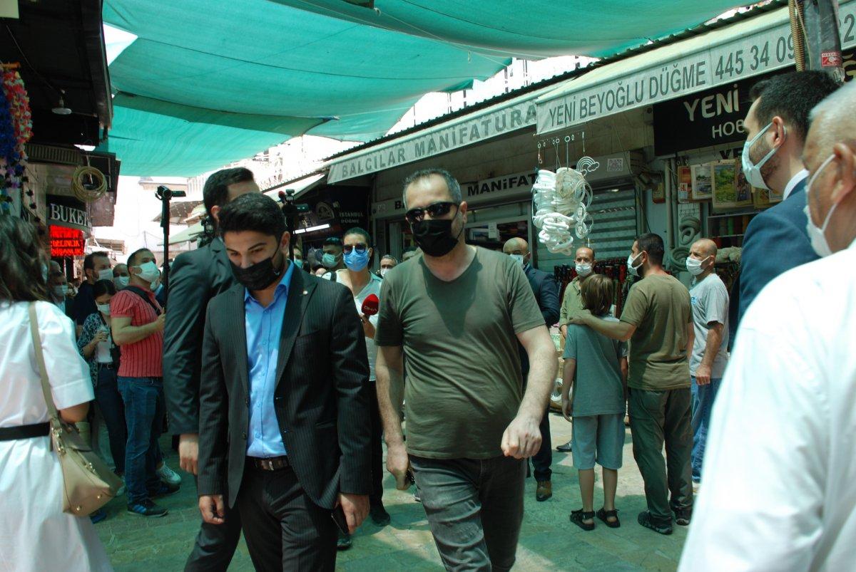 İzmir de Ali Babacan'a  davanı sattın  tepkisi #2