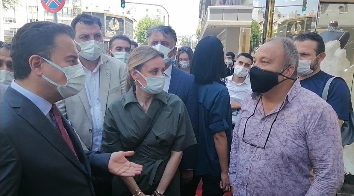 İzmir de Ali Babacan'a  davanı sattın  tepkisi #3