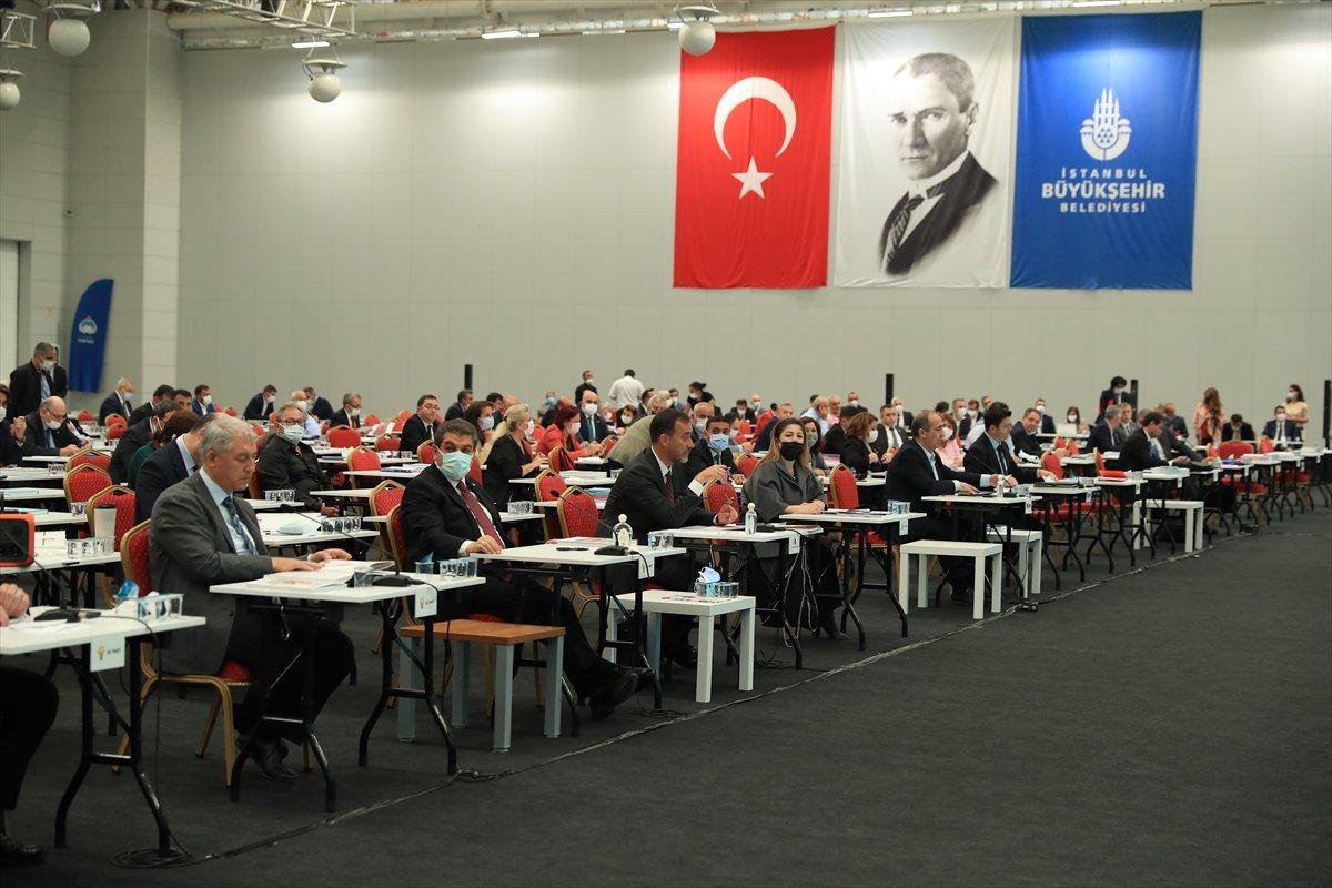 İstanbul un sorunları konuşulurken Ekrem İmamoğlu nun dikkat çeken  rahatlığı  #2