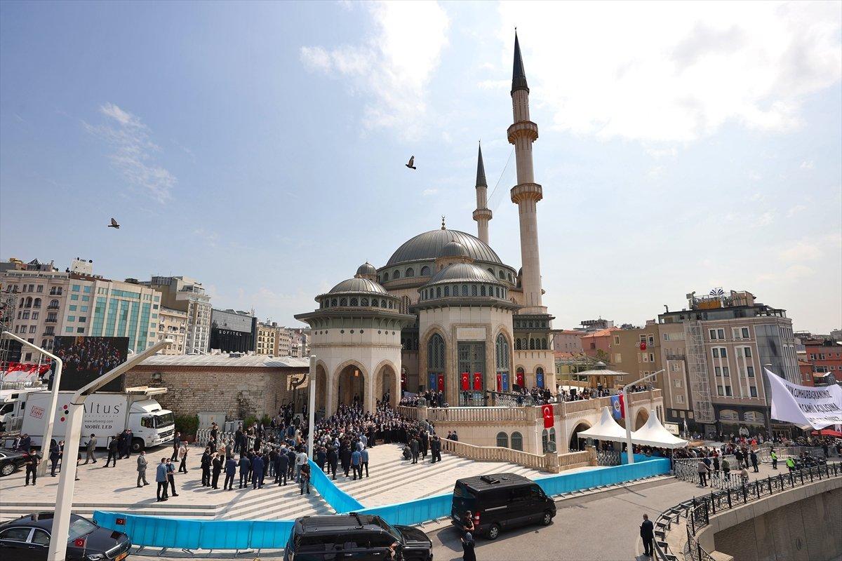 Cumhurbaşkanı Erdoğan ın Taksim Camii açılışı konuşması #3