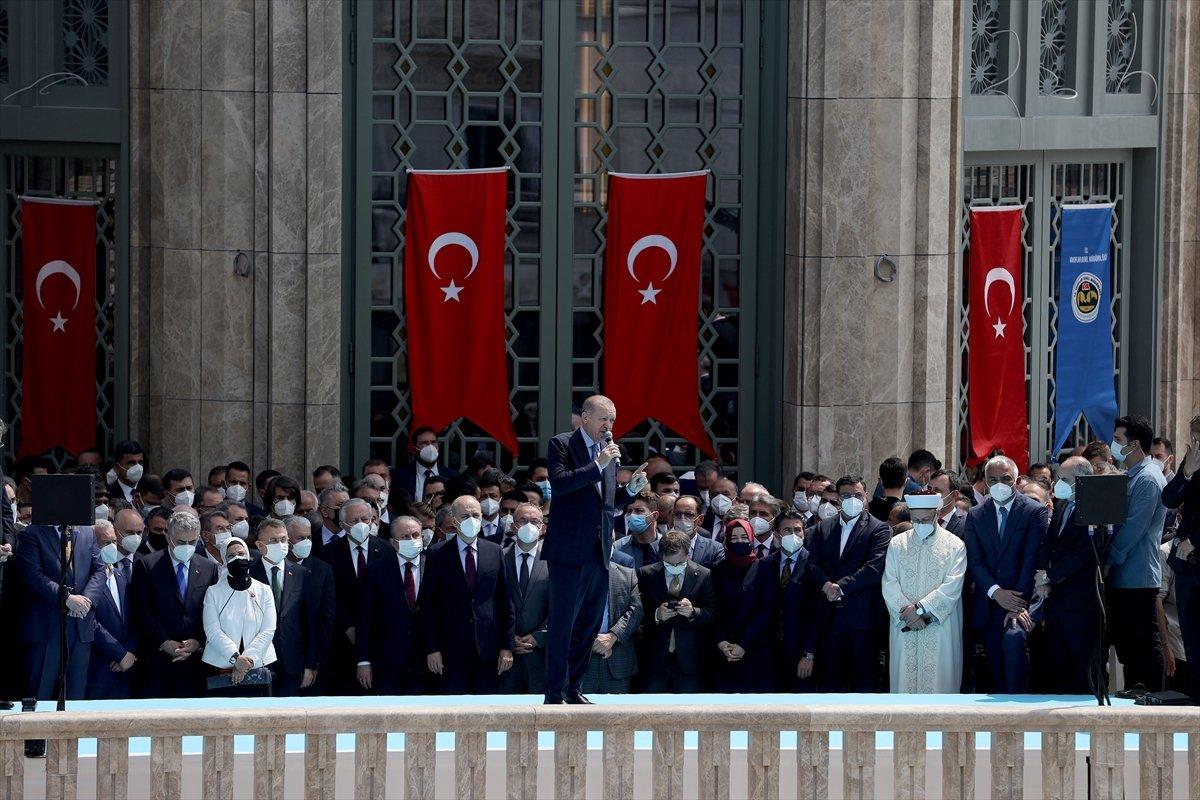 Cumhurbaşkanı Erdoğan ın Taksim Camii açılışı konuşması #2
