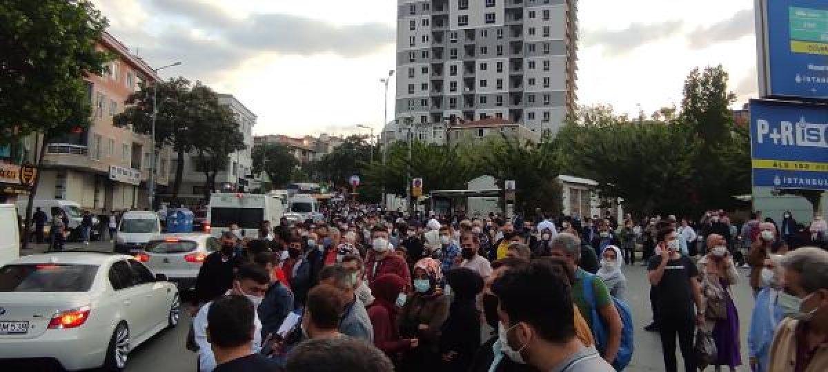 İstanbul da metro seferleri durdu, duraklarda yoğunluk oluştu #3