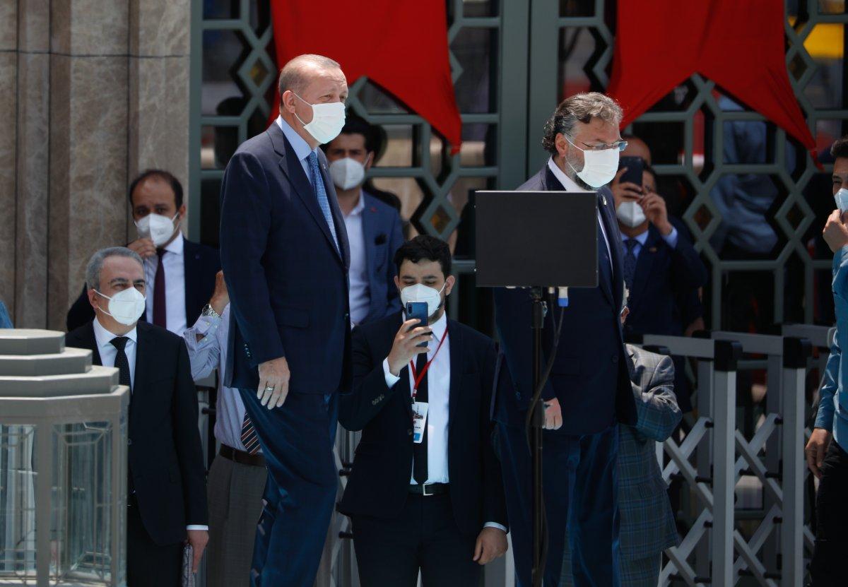 Taksim Camii ibadete açıldı #3