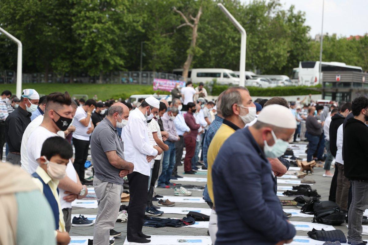 Taksim Camii ibadete açıldı #14