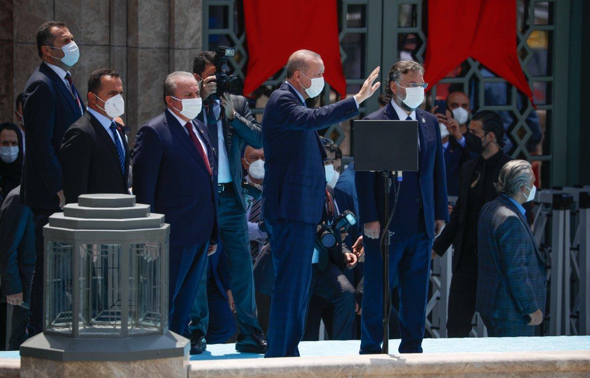 Taksim Camii ibadete açıldı #4