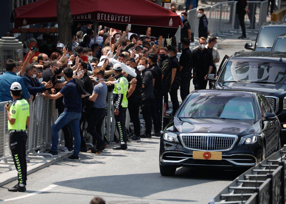 Taksim Camii ibadete açıldı #1