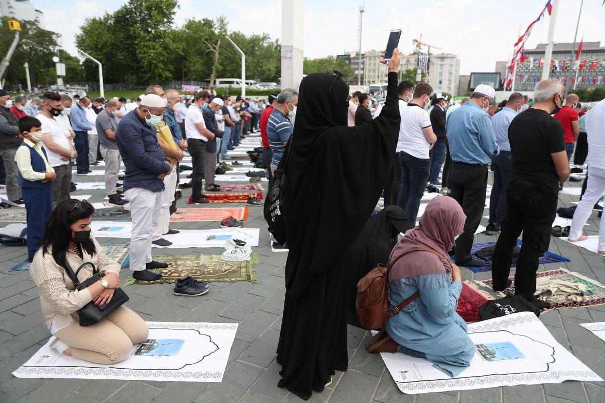 Taksim Camii ibadete açıldı #12