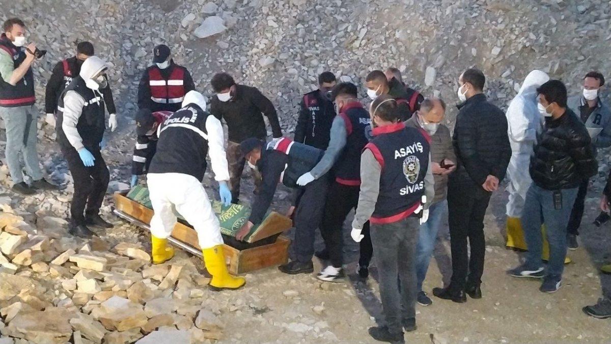 40 gündür kayıp olan kadının cesedi Sivas ta bulundu #1