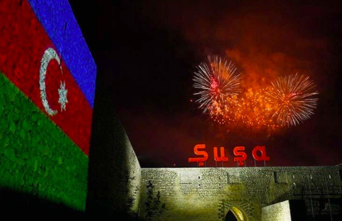Azerbaycan da Cumhuriyet Günü nü mehter marşıyla kutladı #1
